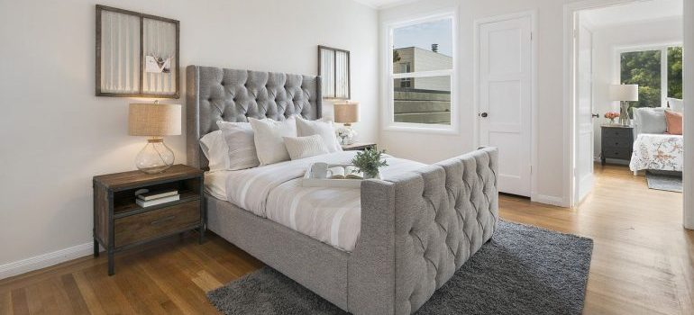 Modern bedroom for movers San Fernando Valley to relocate.